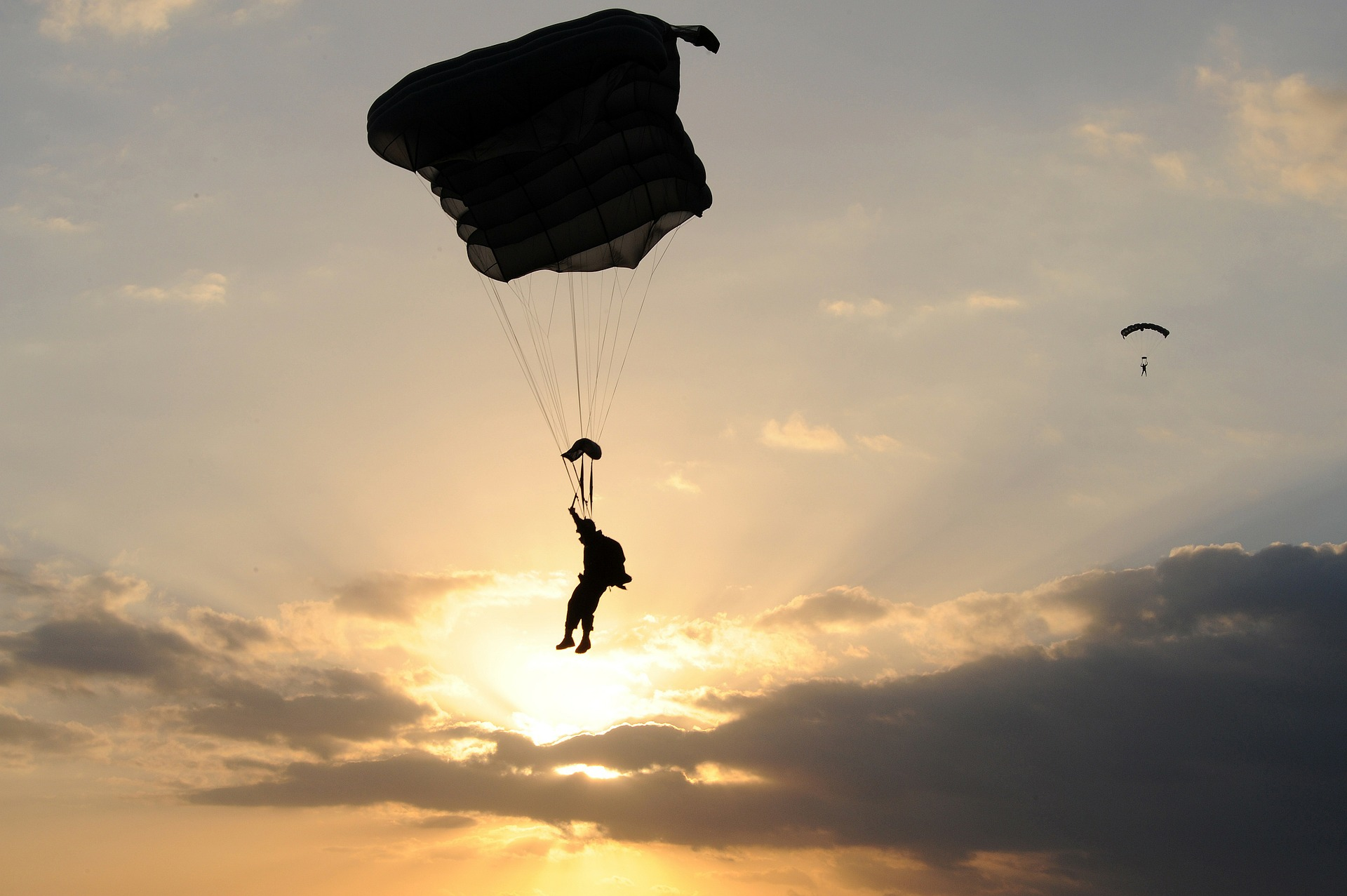 parachute-80088_1920